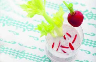 Smoothie of Radishes and Celery Ginger